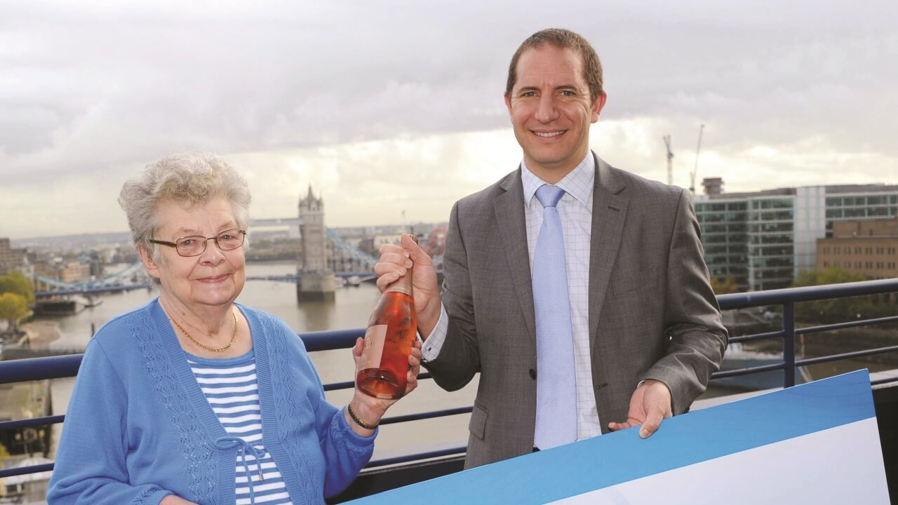 Pauline Ashton Lands £100,000 Jackpot!